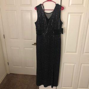 Dresses & Skirts - Black sequin formal dress